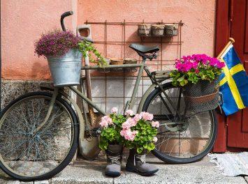Blumen verziertes Fahrrad, Stockholm